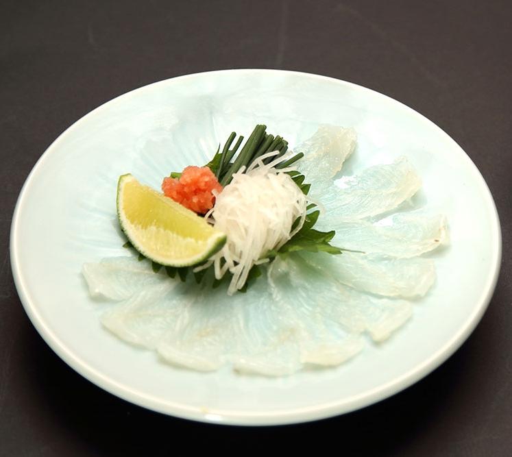 大推!採用頂級中的頂級,數量非稀少的「傳助星鰻」,是專門店才吃得到的珍品:星鰻生魚片