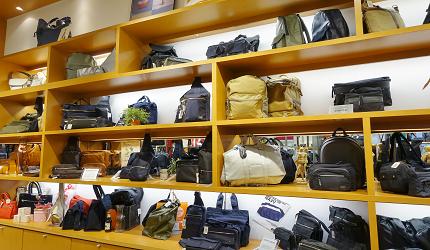大阪關西機場附近大型購物中心「AEON MALL永旺夢樂城臨空泉南」的行李箱、包包「VERSIONY」