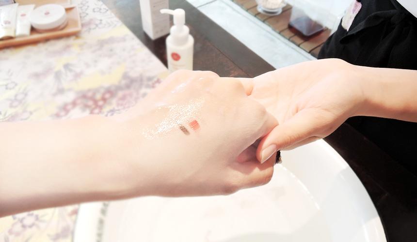 京都京乃雪的卸妝油彩妝溶解卸妝力超強!