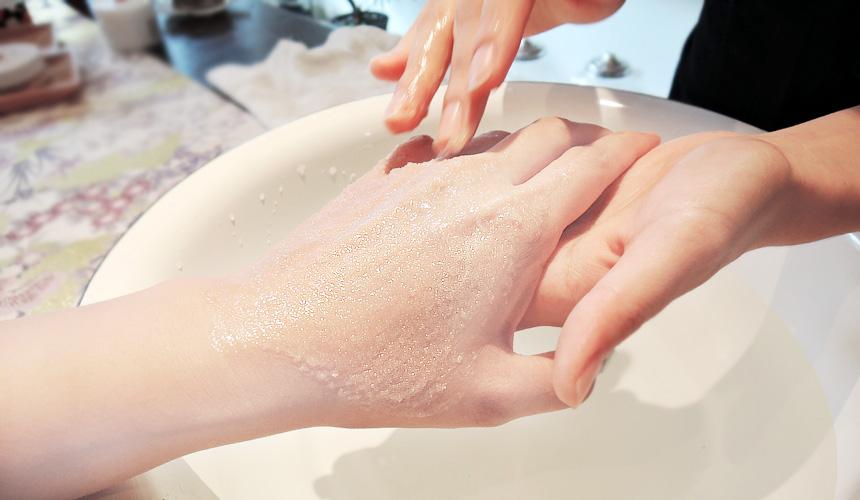 京都京乃雪的按摩霜可以去除老化角質