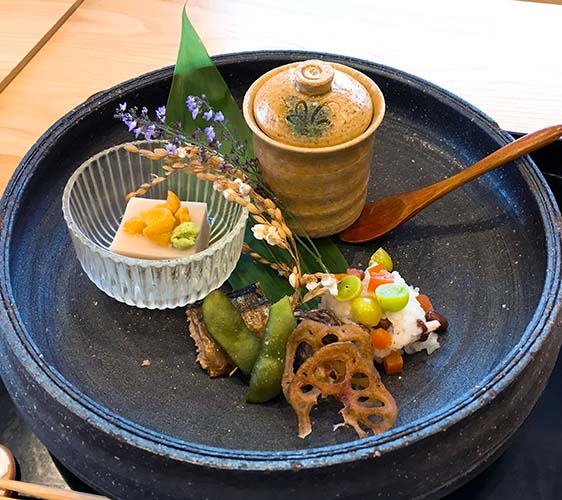 IKOI的芝麻豆腐、炸蓮藕與銀杏、茶碗蒸