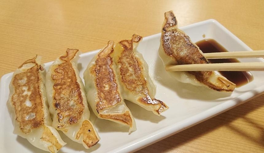大阪難波天下一品的煎餃
