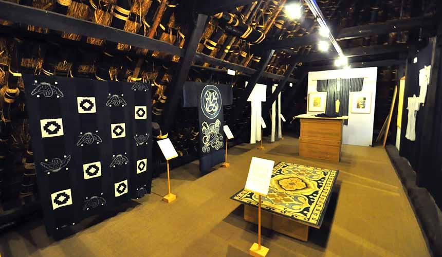 京都「美山茅草屋之鄉」的小小藍美術館