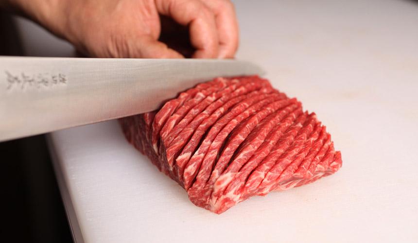 京都河原町燒肉店「あぶりや」肉品皆由師傅仔細切工
