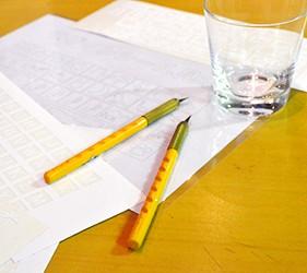 在日本盛酒藏通煉瓦館體驗噴砂玻璃杯製作