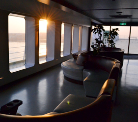 大阪⇌九州交通推薦:「名門大洋渡輪」船內Lounge