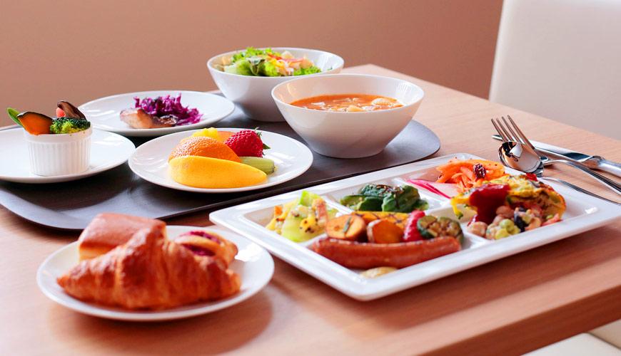 早餐由法國埃科菲勳章主廚江本浩司監修