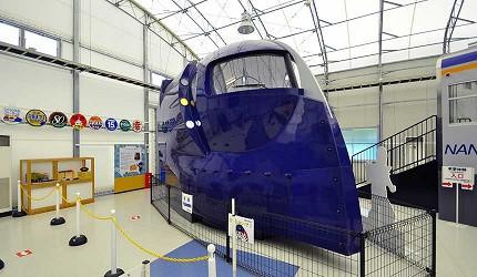 大阪近郊必去複合式動物遊樂園「岬公園」(みさき公園)裡的電車園地裡「Rapi:t」帥氣的列車頭