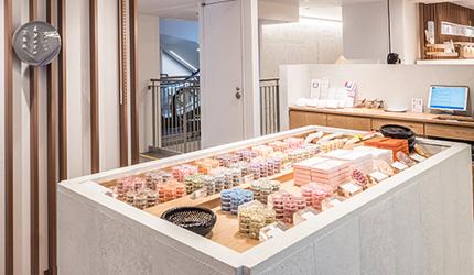 京都車站前購物推薦:京都塔商場「KYOTO TOWER SANDO」1樓的京あめ的「クロッシェ」