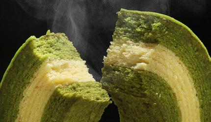 京都車站前購物推薦:京都塔商場「KYOTO TOWER SANDO」的1樓的「京ばあむ」京年輪蛋糕現烤