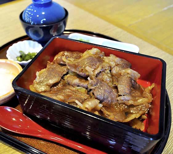 淡路ごちそう館御食国的極上淡路島牛丼套餐