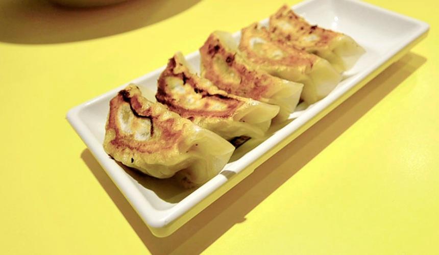 大阪必吃拉麵店「神座」單品第一名的煎餃