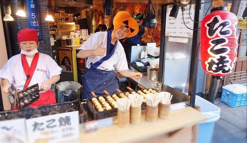 人氣章魚燒店TAKO八(たこ八)的店員