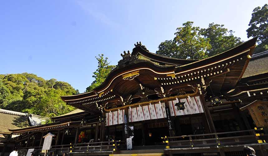 奈良櫻井市日本最古老的神社大神神社外觀