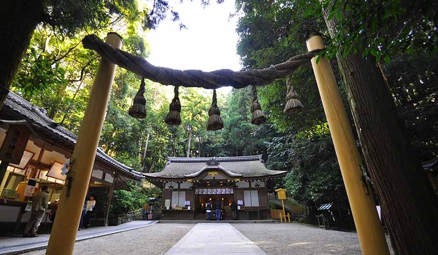 奈良櫻井市大神神社鳥居
