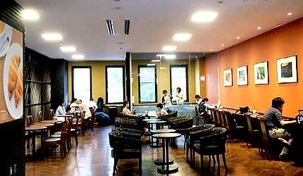 日本冈山机场国际缐2楼咖啡厅ST.MARC CAFÉ