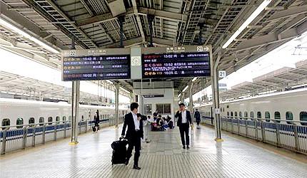 新干缐新大阪站月台
