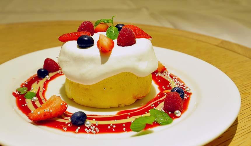 chano-ma岡山的甜點「赤い果物」