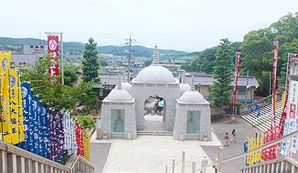 日本岡山最上稻荷仁王門