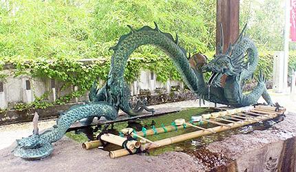 日本冈山最上稻荷洗手池神龙