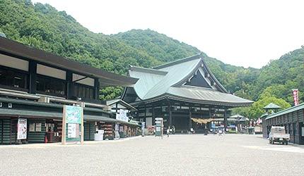日本冈山最上稻荷本殿灵光殿