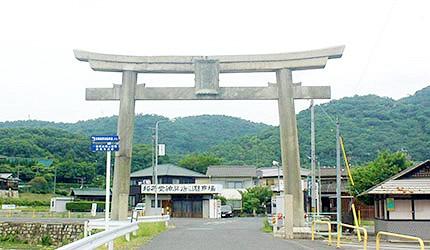日本冈山最上稻荷停车场