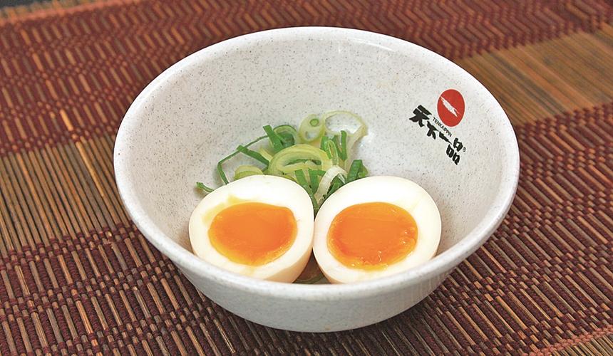 大阪難波天下一品的半熟蛋