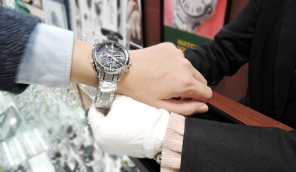 大阪道頓堀愛電王可以試戴手錶
