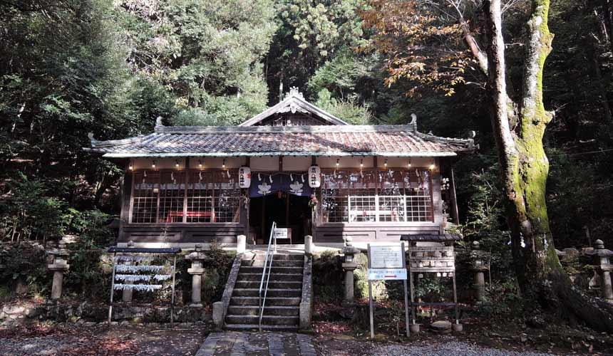能势妙见山吉川八幡神社