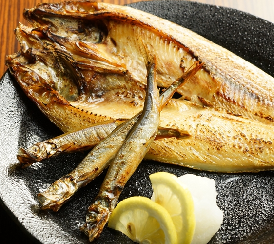 大阪心齋橋的超值居酒屋「きんいち花鳥風月」的烤魚