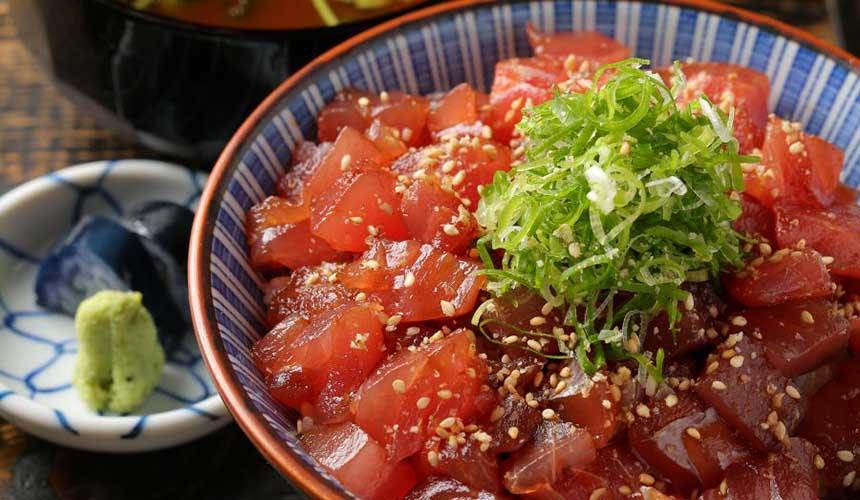 裏難波 虎目橫丁「魚八商店」醃漬鮪魚丼飯