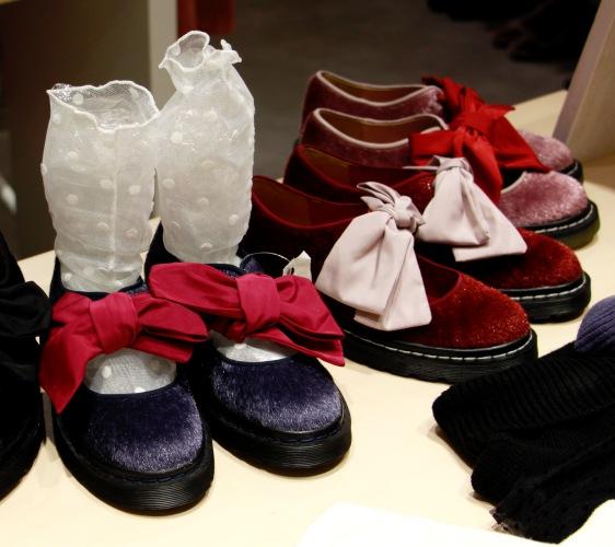大阪梅田「EST」裡的merry jenny的鞋子