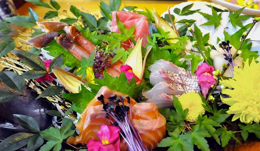 大阪難波心齋橋的人氣名店「蟹しぐれ」的綜合生魚片拼盤(刺身盛り合わせ)