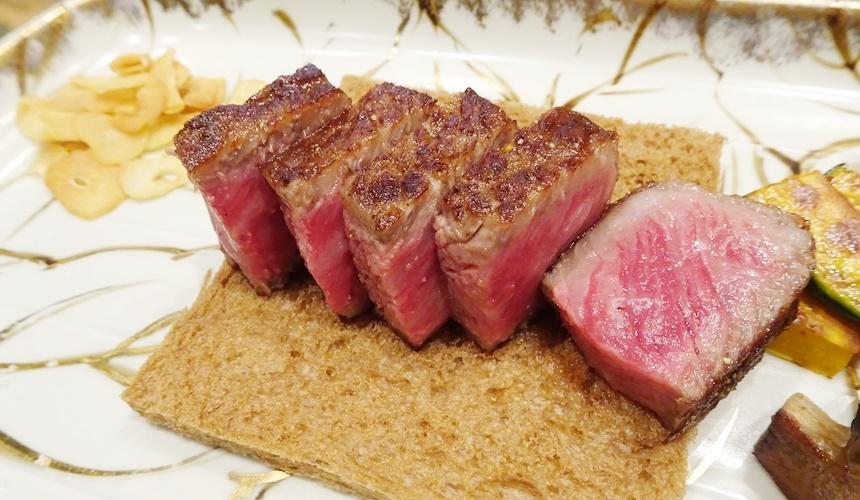 心齋橋「みやざき館」的牛排肉汁豐盈