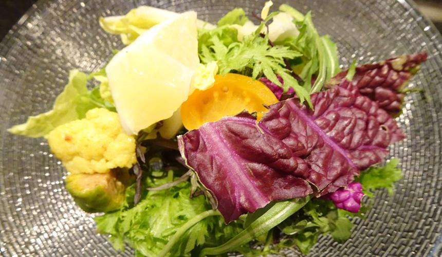 心齋橋「みやざき館」的沙拉蔬菜