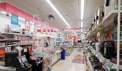 大阪秋葉原藥妝家電3C用品齊全「JOSHIN上新電機」的「SUPER Den Den LAND」結帳時間快速