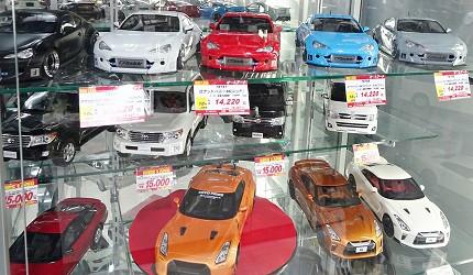 大阪秋葉原藥妝家電3C用品齊全「JOSHIN上新電機」的「SUPER KIDS LAND本店」跑車模型