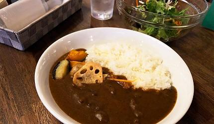 日本京都酒吧推介酒美術館內提供的招牌午餐「弘」牛肉咖哩飯藏