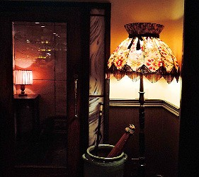 日本京都酒吧推介懷舊風情 Bar Nostalgia店內懷舊感洋溢的玄關內部裝潢