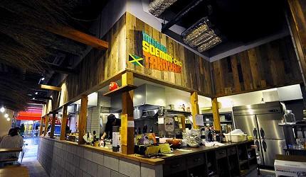 道頓堀居酒屋美食酒吧「大阪牙買加」的店內DJ台