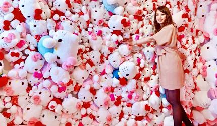 日本兵庫淡路島大型「HELLO KITTY SMILE」海景主題餐廳的Hello Kitty的藝廊空間有350隻Kitty