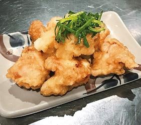 大阪難波涮涮鍋推薦:「しゃぶっと」難波店的小菜炸雞