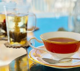日本兵庫淡路島大型「Hello Kitty Smile」海景主題餐廳「Smile Restaurant」的下午茶咖啡館「Party Balcony」的各種茶類選擇
