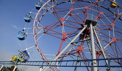 大阪近郊必去複合式動物遊樂園「岬公園」(みさき公園)裡的摩天輪