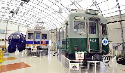 大阪近郊必去複合式動物遊樂園「岬公園」(みさき公園)裡的電車園地電車車廂