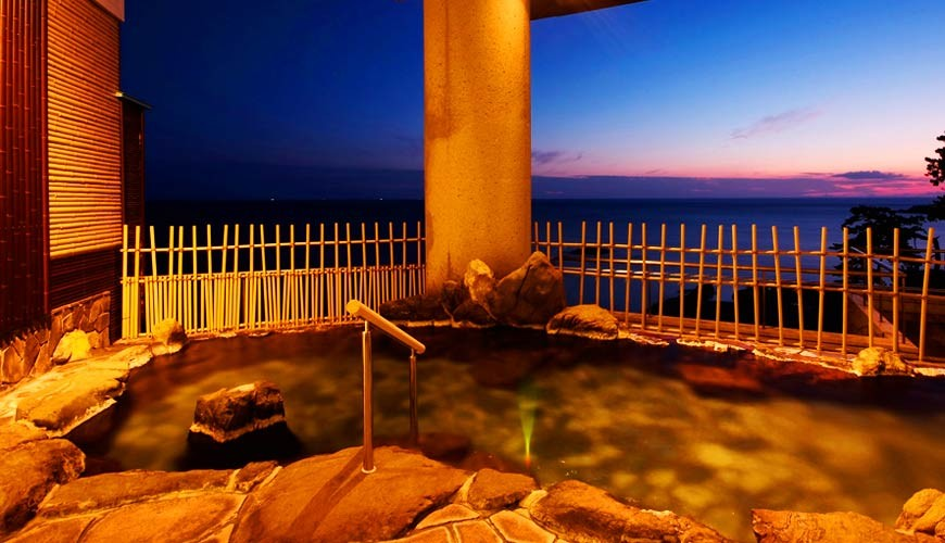 城崎日和山溫泉旅館「金波樓」的天然溫泉熱之湯