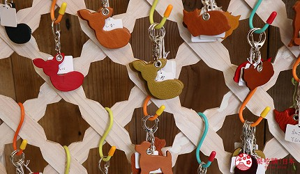 奈良必逛商店街「餅飯殿中心街」的推薦店家「HARUHINO」的皮件小鹿吊飾