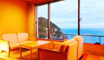 城崎日和山溫泉旅館「金波樓」的岬之館和室海景