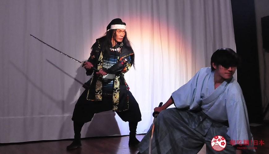 大阪互動式表演劇場推薦「侍 CAFE」的現場表演