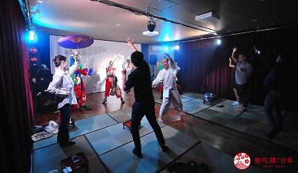 大阪互動式表演劇場推薦「侍 CAFE」表演者與觀眾一起互動